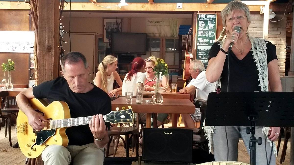 Optreden Paul & Andrea op Fort Vuren