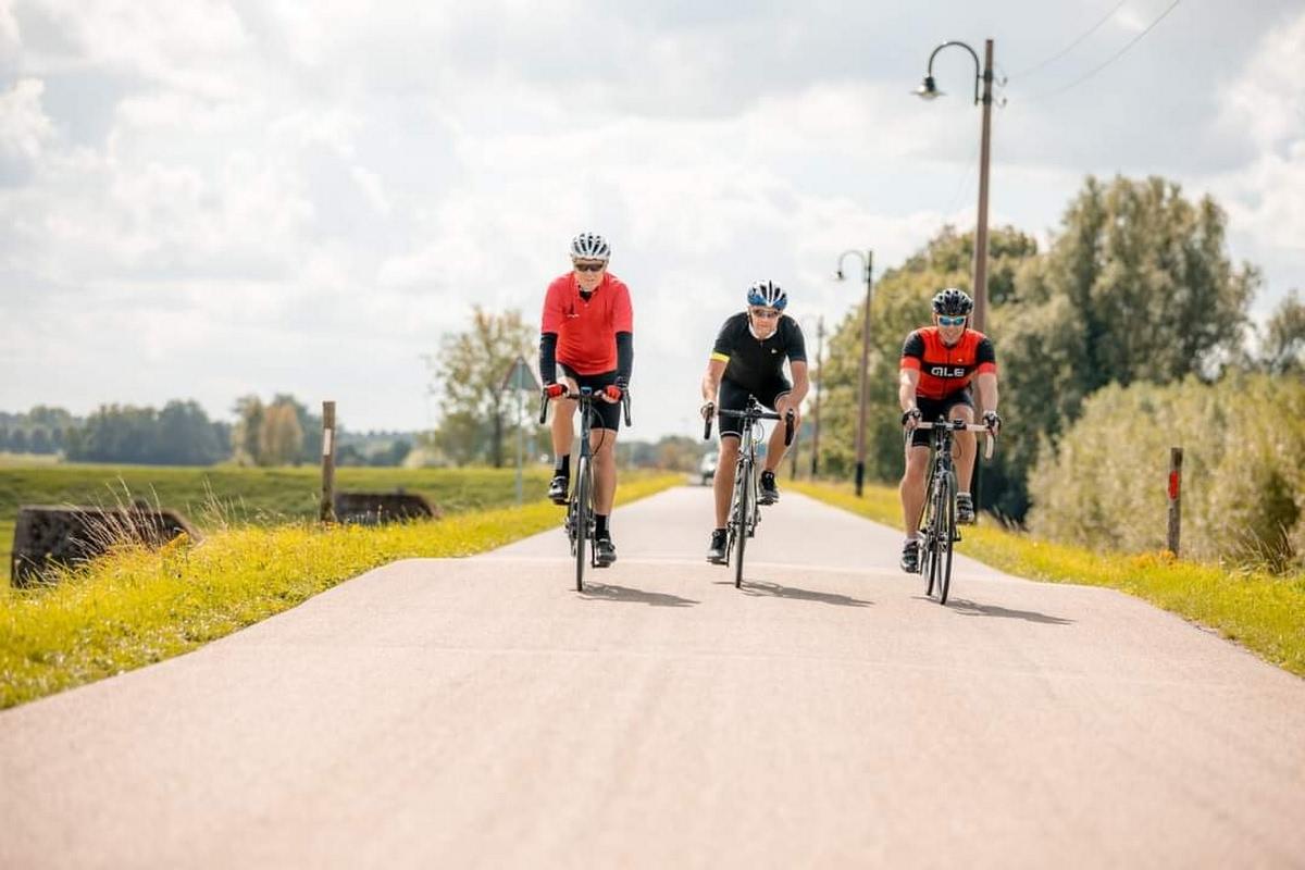 Hollandse Waterlinies Fietstour, racefietser